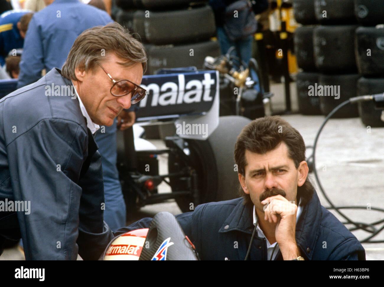 Gordon Murray und Bernie Ecclestone der 1980er Jahre Stockbild