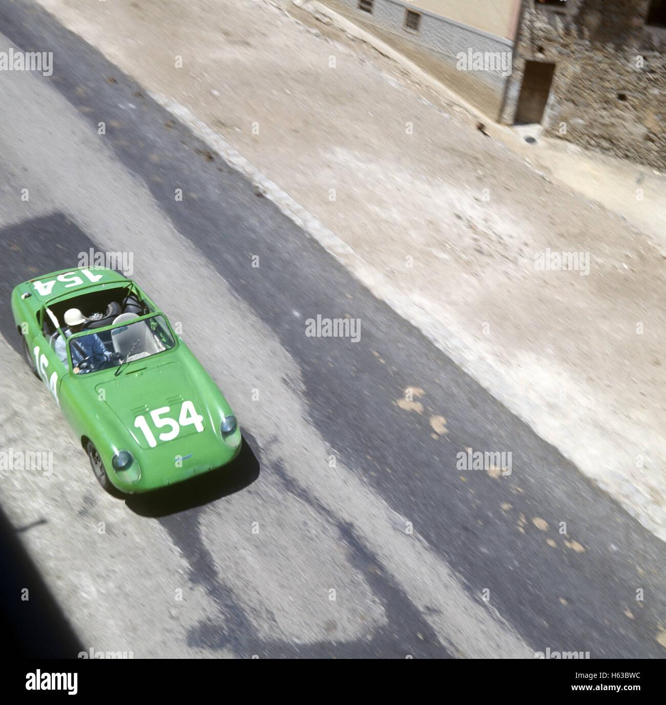 15. bei der Targa Florio fertig 154 Rauno Aaltonen und Clive Baker in ein Austin Healey Sprite 9. Mai 1965 Stockbild