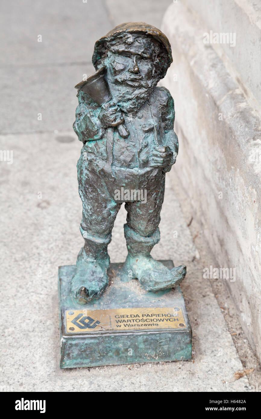 Bellringer Bronze Gnome Statue zum Gedenken an die Orange Alternative Bewegung in Wroclaw, Polen Stockbild