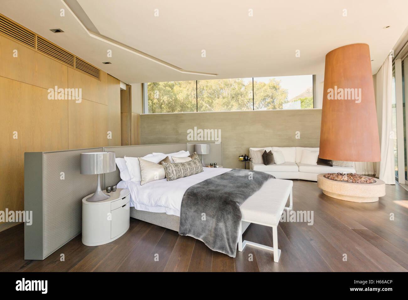 Moderne Luxus Nach Hause Schaufenster Schlafzimmer Mit Kamin