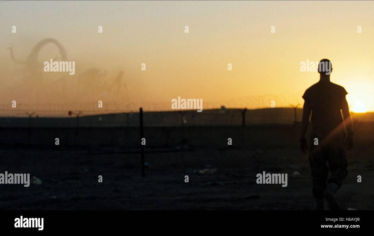 FILMMONSTER SZENE: DUNKLE KONTINENT (2014) Stockbild