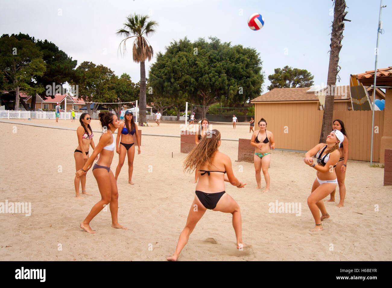 Mädchen ohne bikini