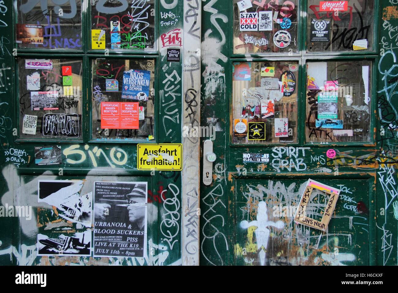 abstrakte tür. farbe spielen stockfoto, bild: 124439575 - alamy