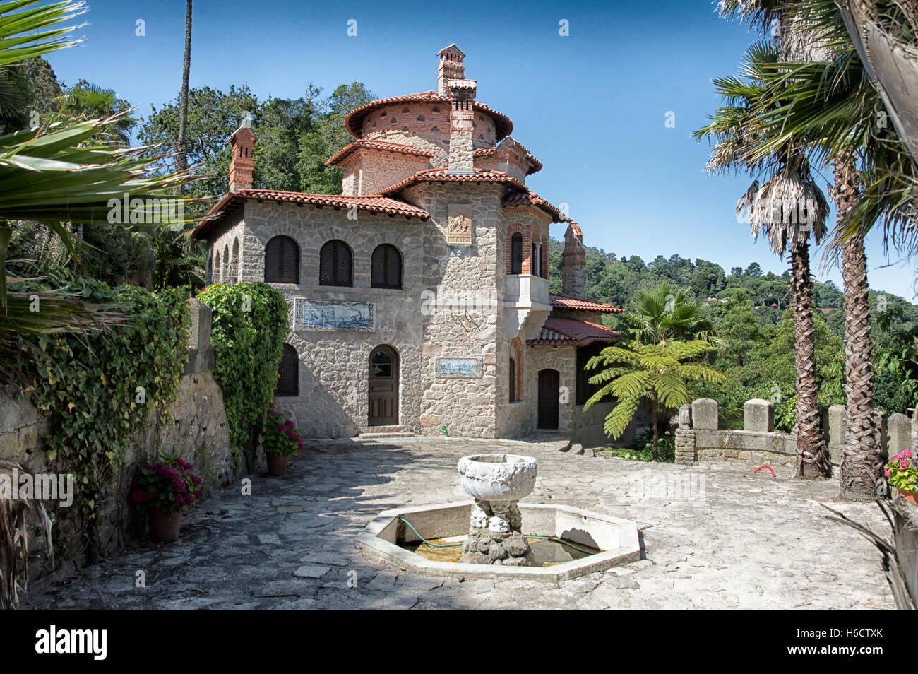 Sintra house stockfotos sintra house bilder alamy for Traditionelles geschenk zum neuen haus