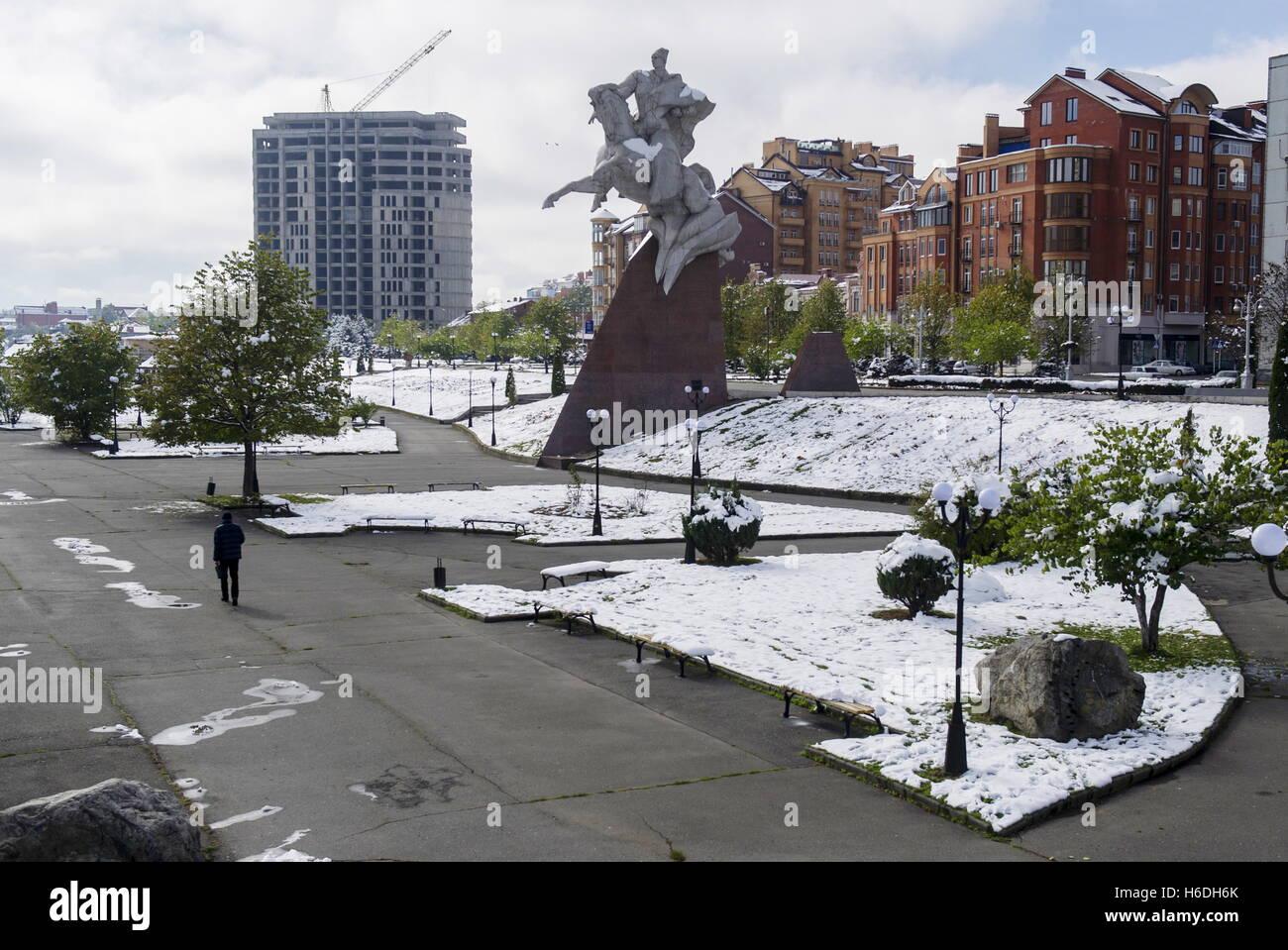 Wladikawkas, Russland. 27. Oktober 2016. Eine Statue von Issa Pliyev in Wladikawkas, der Hauptstadt der Republik Stockfoto