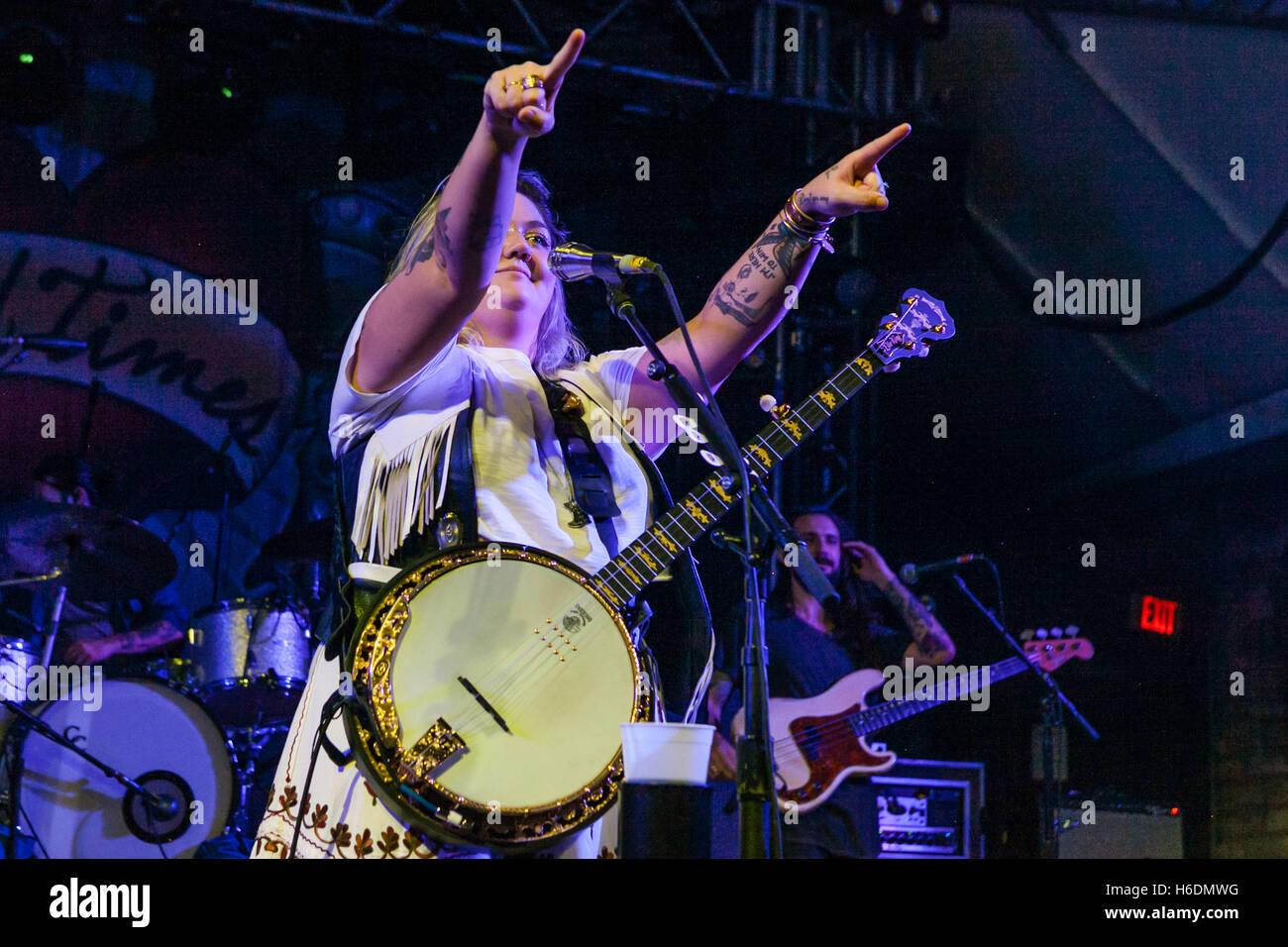 Austin, Texas, USA. 25. Oktober 2016. Elle King Konzert in Austin, TX. © Rustin Gudim/ZUMA Draht/Alamy Live-Nachrichten Stockfoto