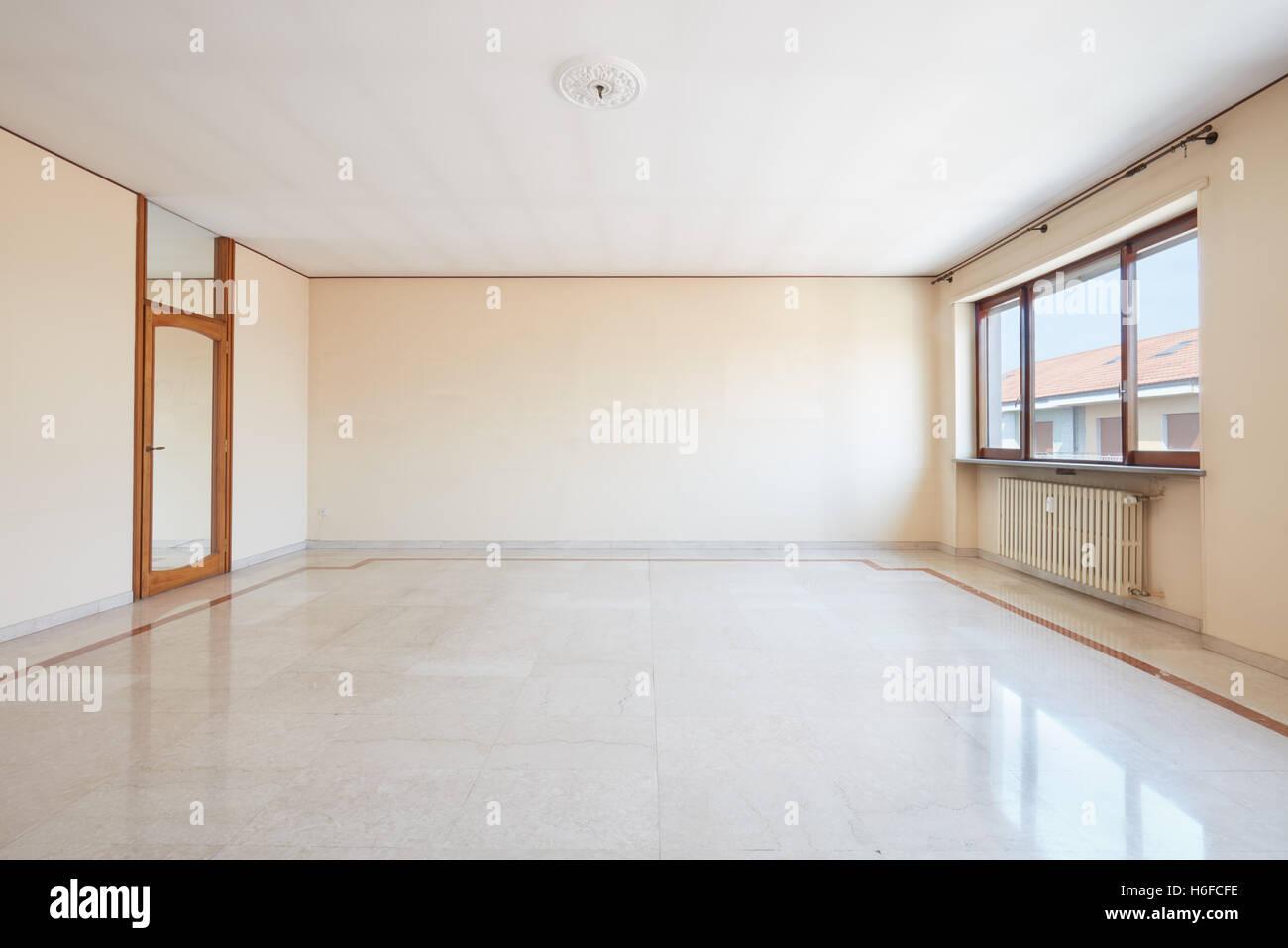 Große leere Wohnzimmer Interieur mit Marmorboden Stockfoto, Bild ...