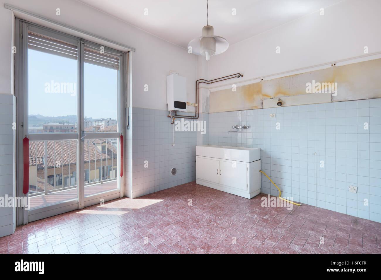 Alte Leere Küche Zimmer Mit Fliesenboden Und Wände