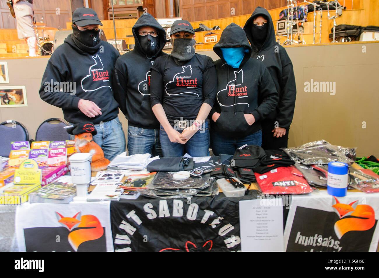 Nordirland Jagd Sabateurs Verkauf von Merchandise Mittel bei einer Vegan fair zu erhöhen. Stockbild
