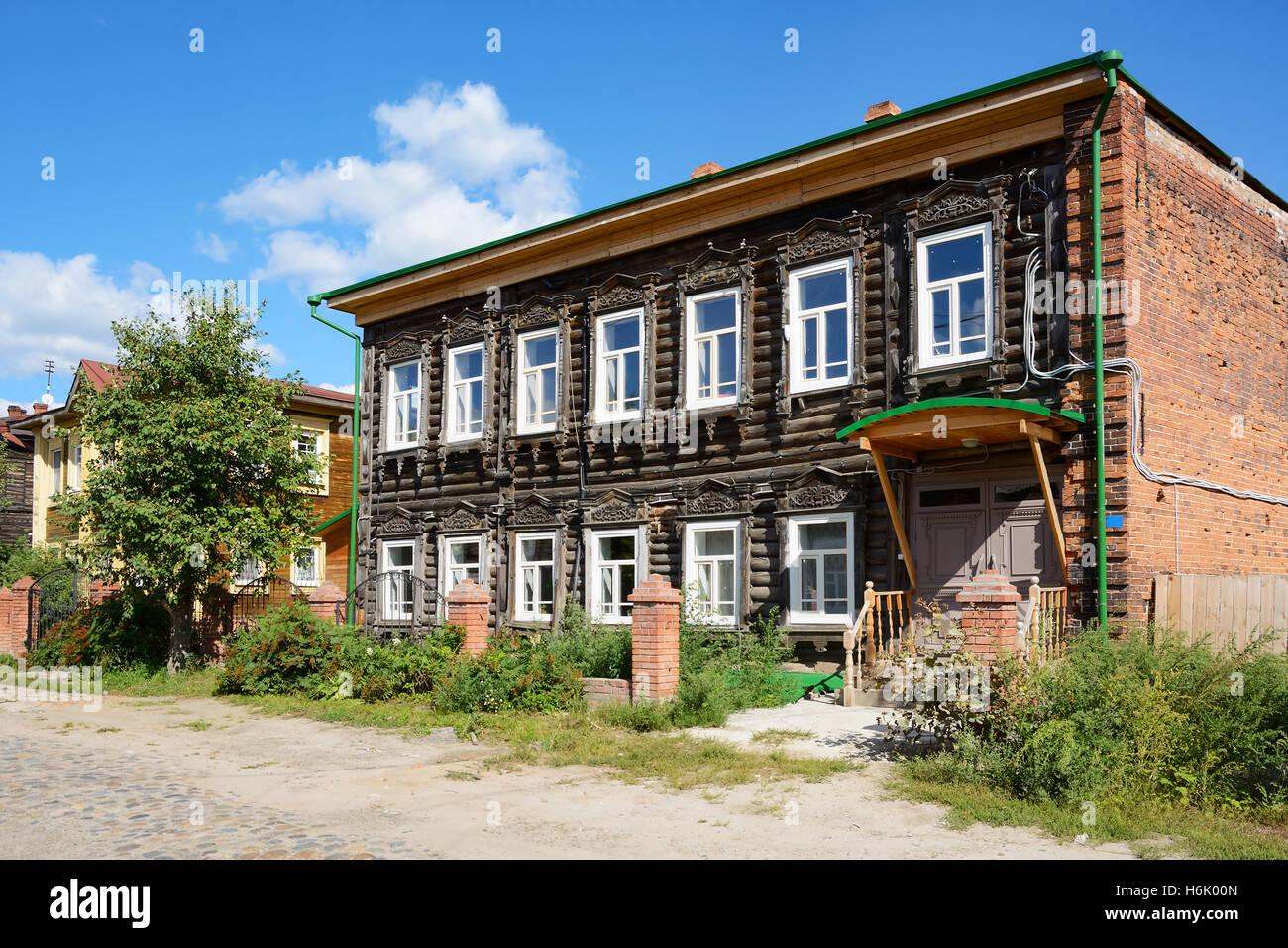 street wooden houses russia stockfotos street wooden houses russia bilder alamy. Black Bedroom Furniture Sets. Home Design Ideas