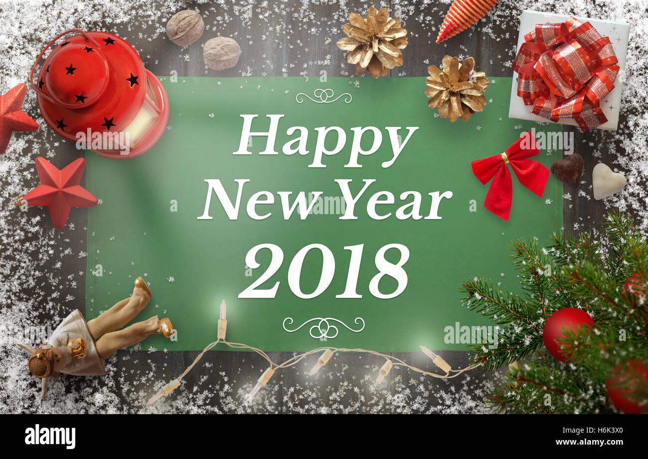 Glückliches Neujahr Gruß mit Weihnachtsbaum, Geschenk, Dekoration ...