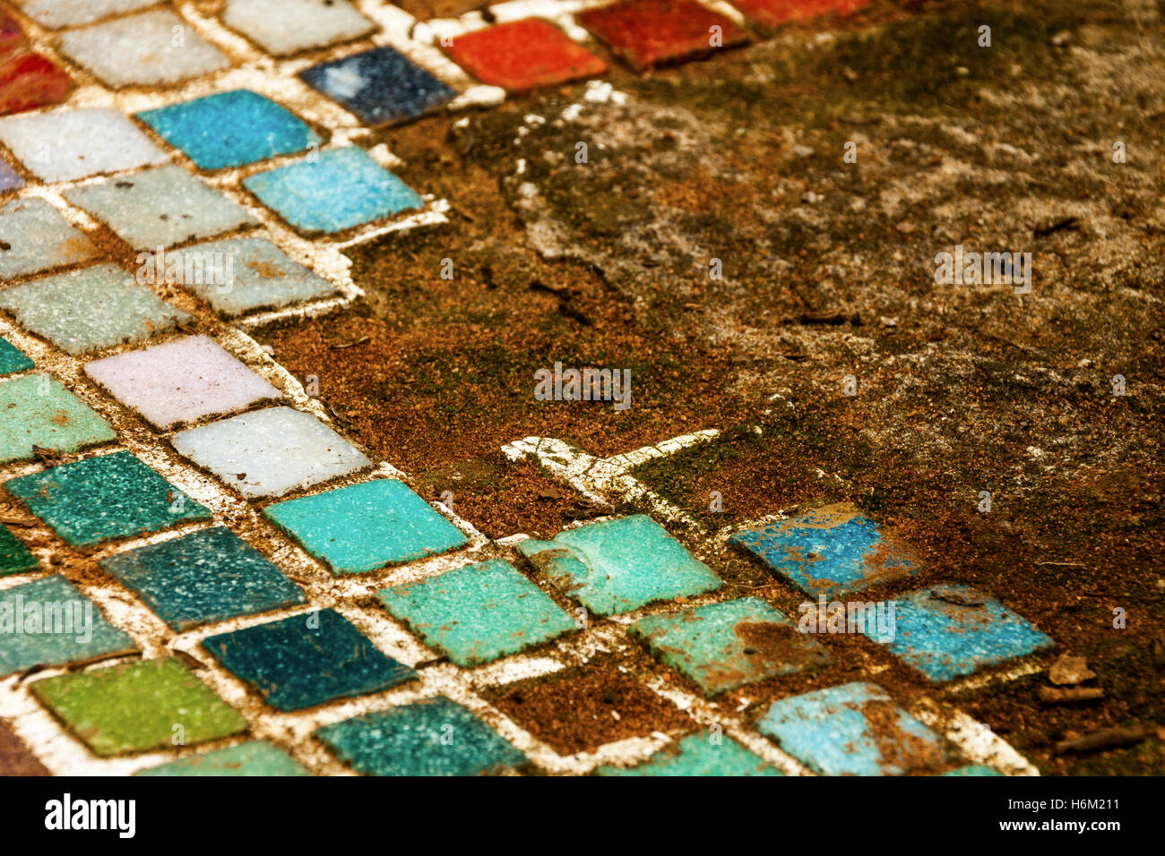Extreme Nähe Vernachlässigt Bunte Vintage Alte Mosaikfliesen Auf - Alte mosaik fliesen