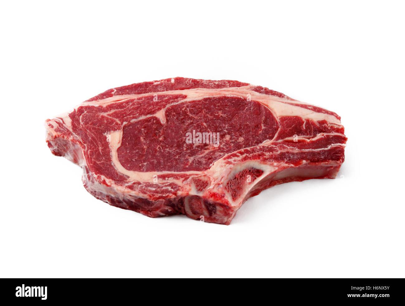Saftige rote Biofleisch ein Steak auf einem weißen Hintergrund isoliert Stockbild