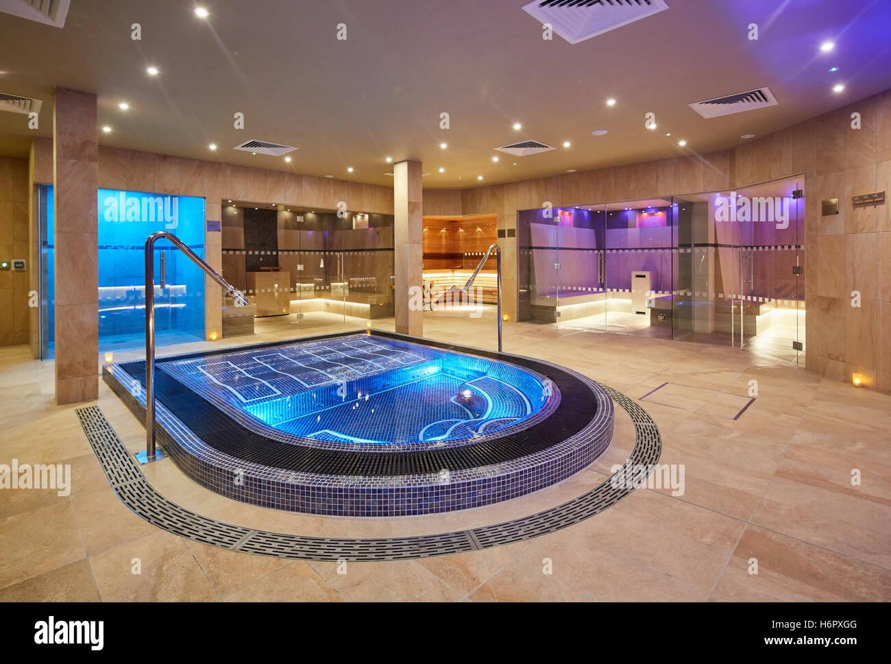 Spa Pool Moderne Schicke Sauber Innen Spa Nelson Innensauna Raum Whirlpool  Privaten Rates Qualität Deluxe Luxus Noblen Gut Hallo