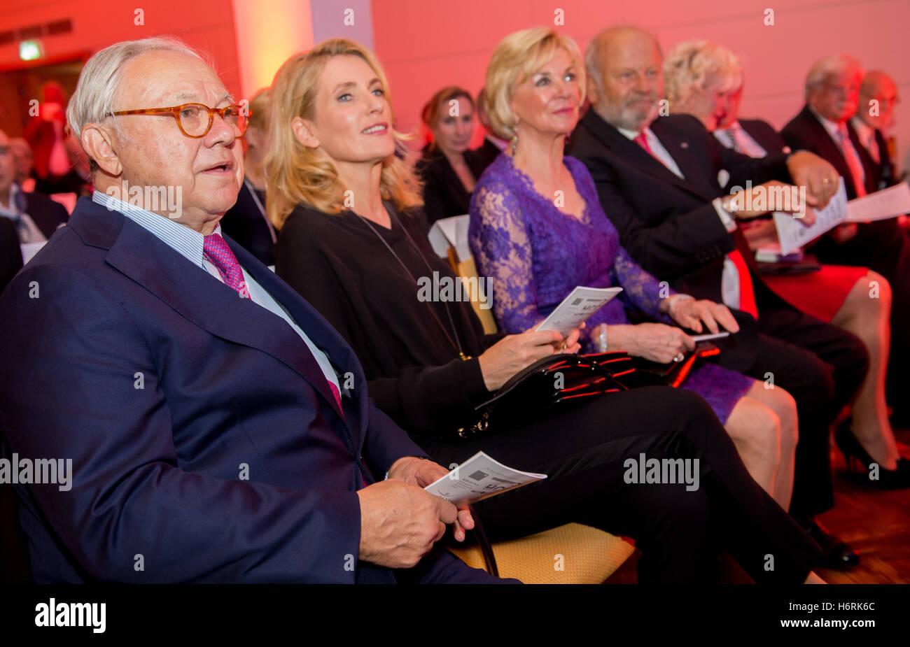 L-r: Verleger Hubert Burda mit seiner Frau, deutsche Schauspielerin ...