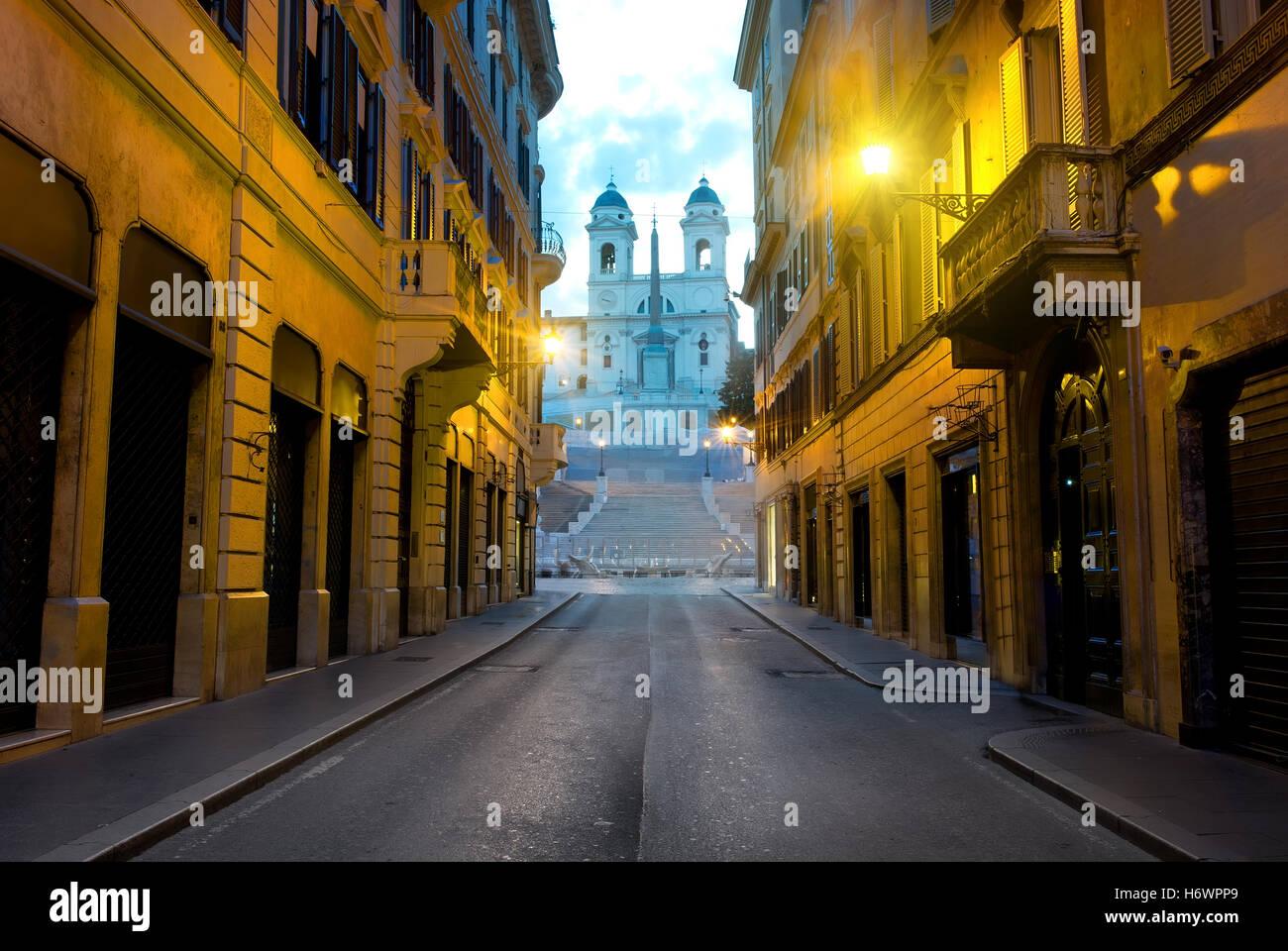 Berühmten spanischen Treppe und römische Straße am Morgen, Italien Stockbild