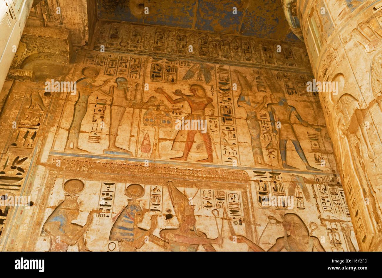 Die Darstellung der Pharaonen Leben an den Schläfen Wänden wurden ...