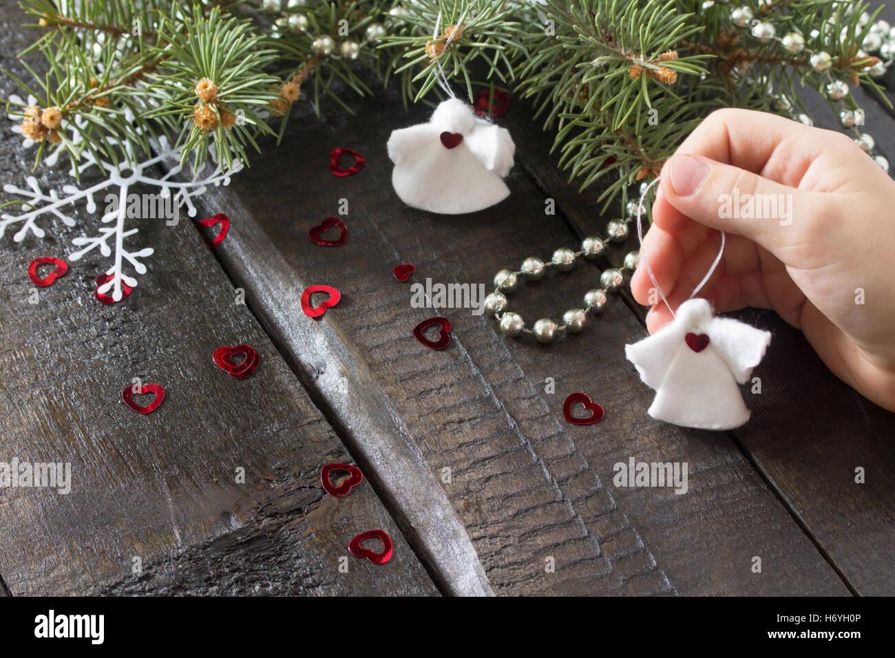 Erstellen Sie Kind Weihnachten Geschenk Spielzeug Engelchen In