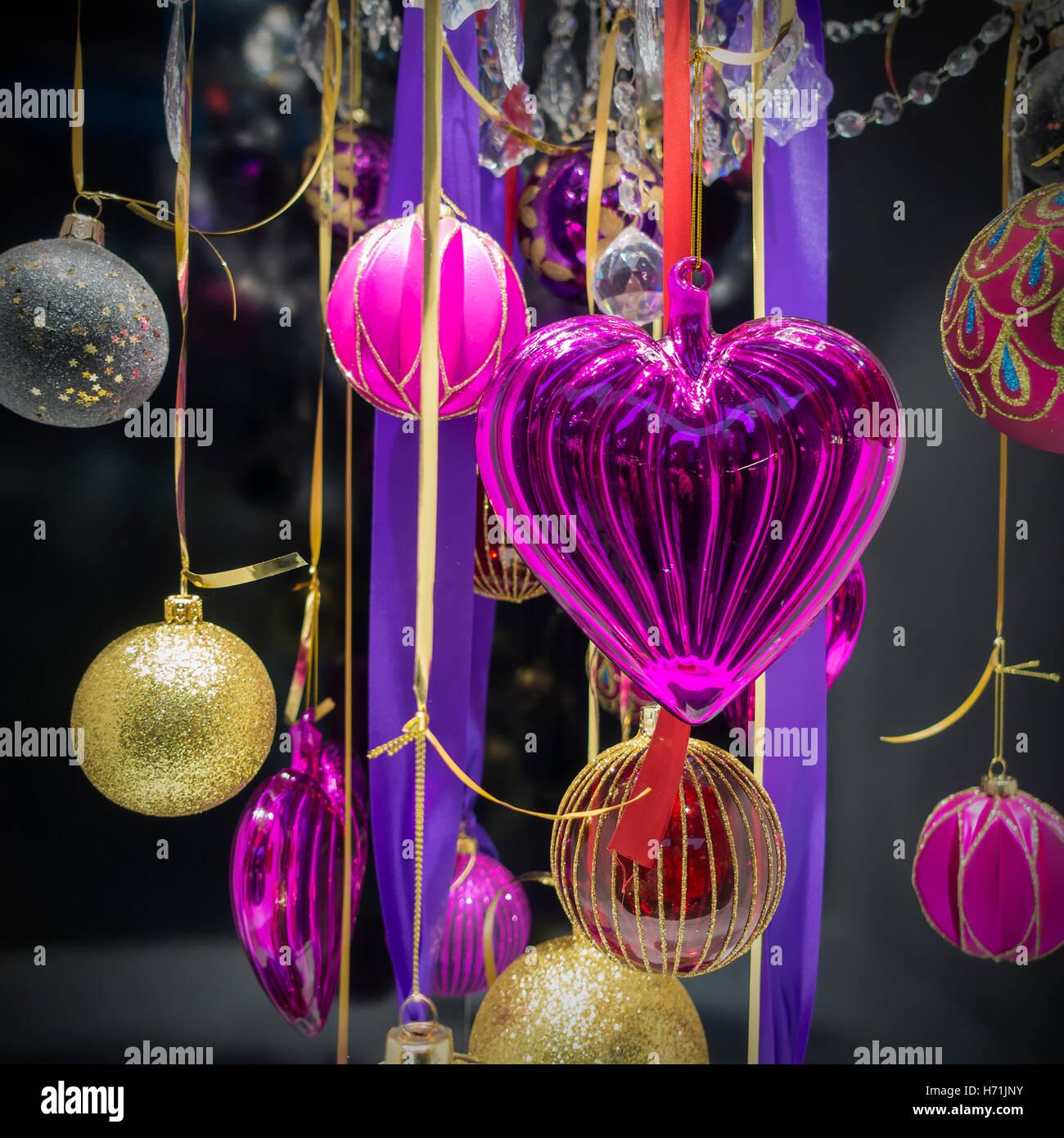 qualitativ hochwertige weihnachtskugeln stockfoto bild 124811847 alamy. Black Bedroom Furniture Sets. Home Design Ideas