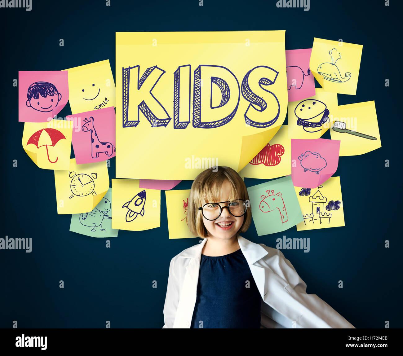 Kinder spielerisch Glück Freude Kindheit Konzept Stockbild