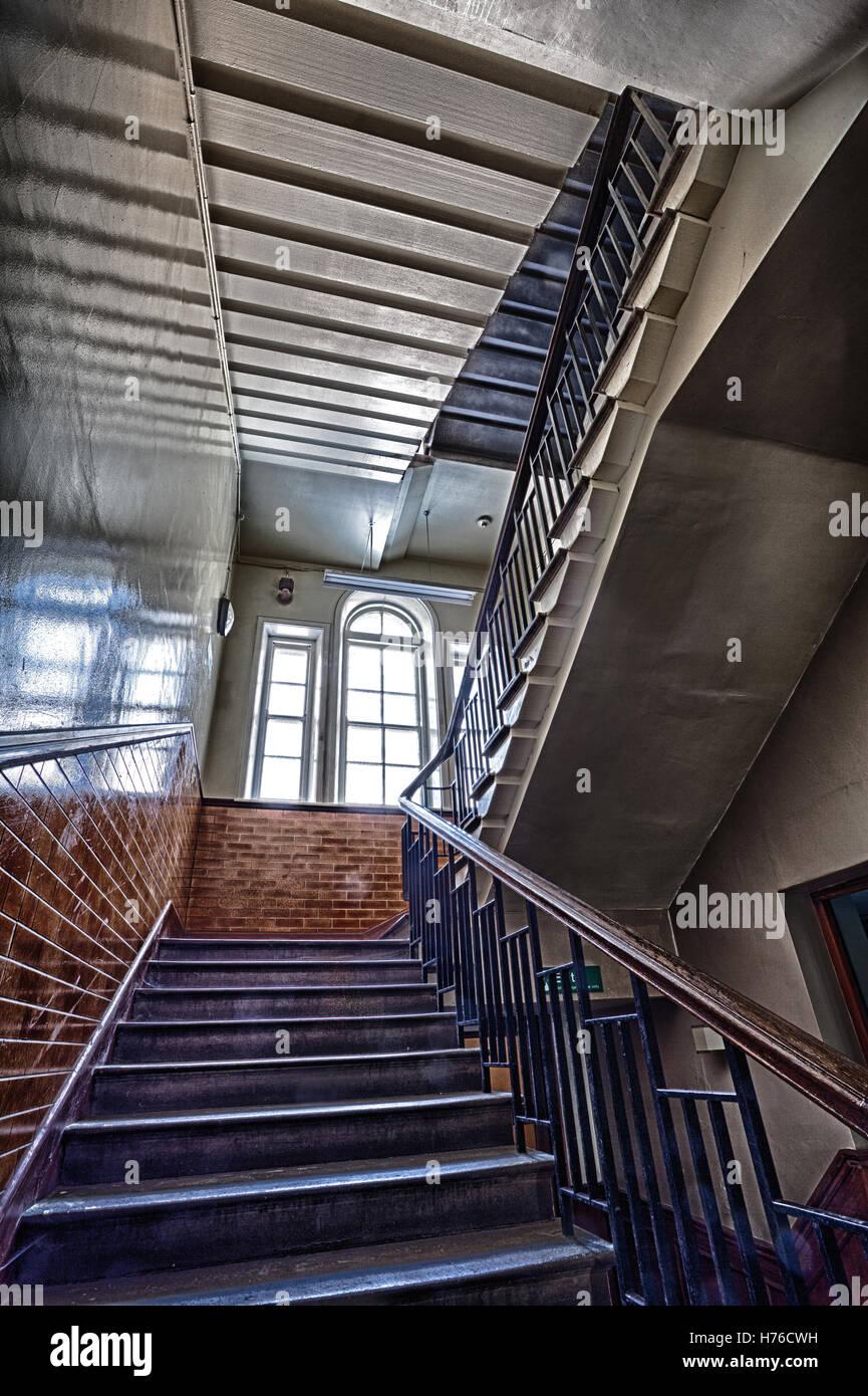 treppenhaus im verlassenen geb ude hdr stockfoto bild 124917005 alamy. Black Bedroom Furniture Sets. Home Design Ideas