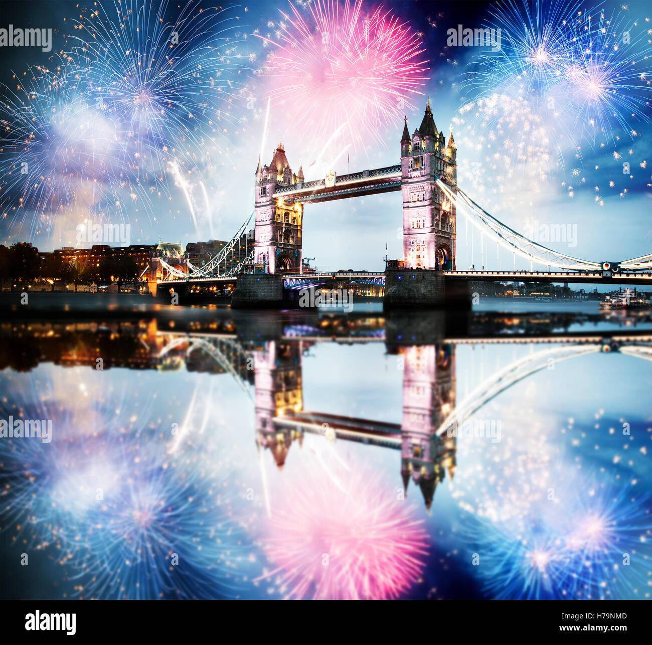 london 2017 fireworks stockfotos london 2017 fireworks. Black Bedroom Furniture Sets. Home Design Ideas