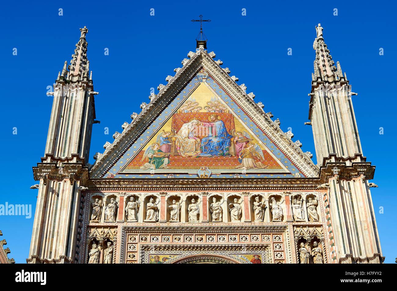 Detail der toskanischen gotische Fassade des the14th Jahrhunderts Orvieto Duomo Kathedrale, Umbrien, Italien Stockbild