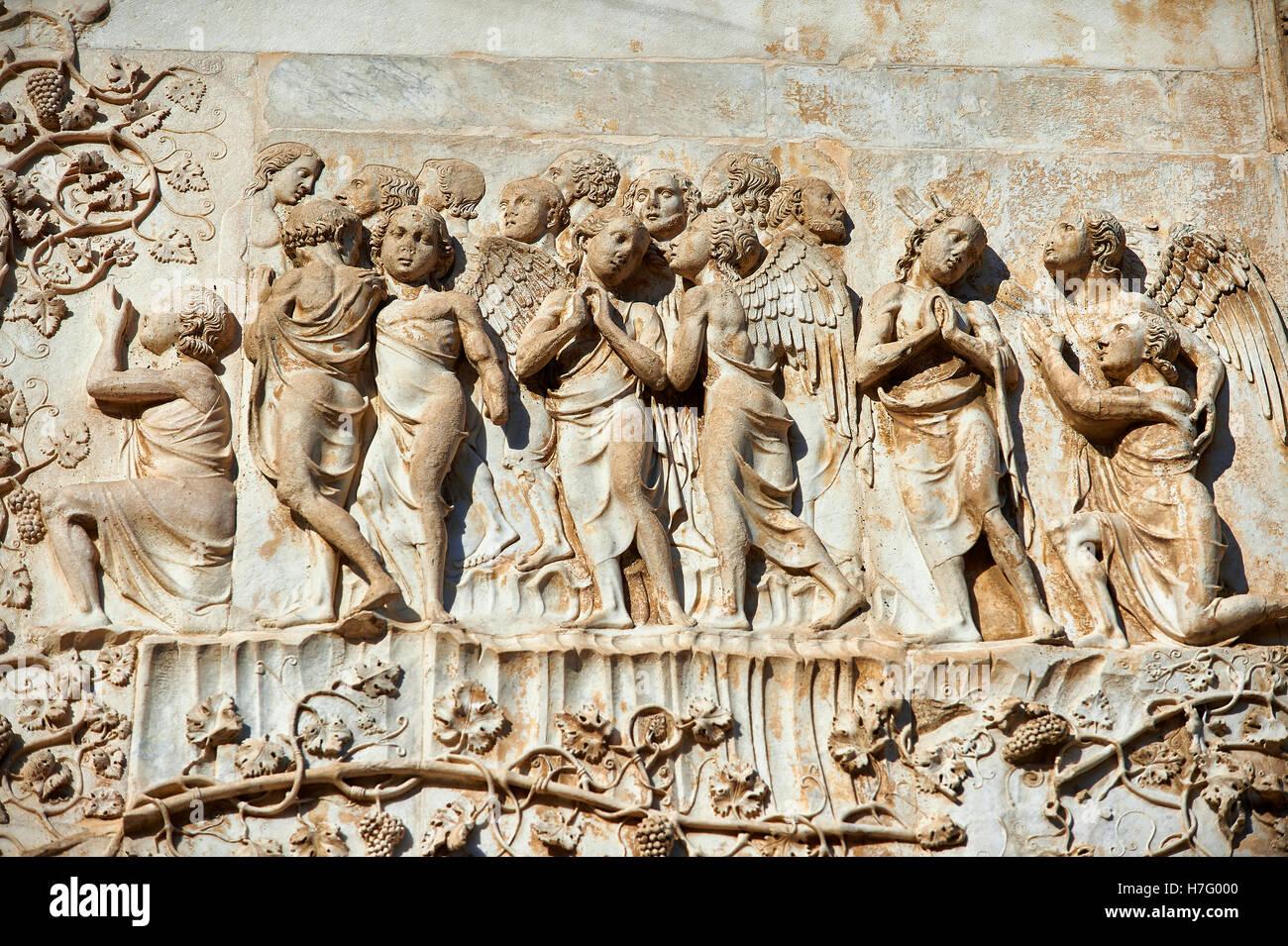 Relief des jüngsten Gerichts von Maitani, circa1310, toskanischen Gotik, Fassade Orvieto Duomo Kathedrale, Stockbild
