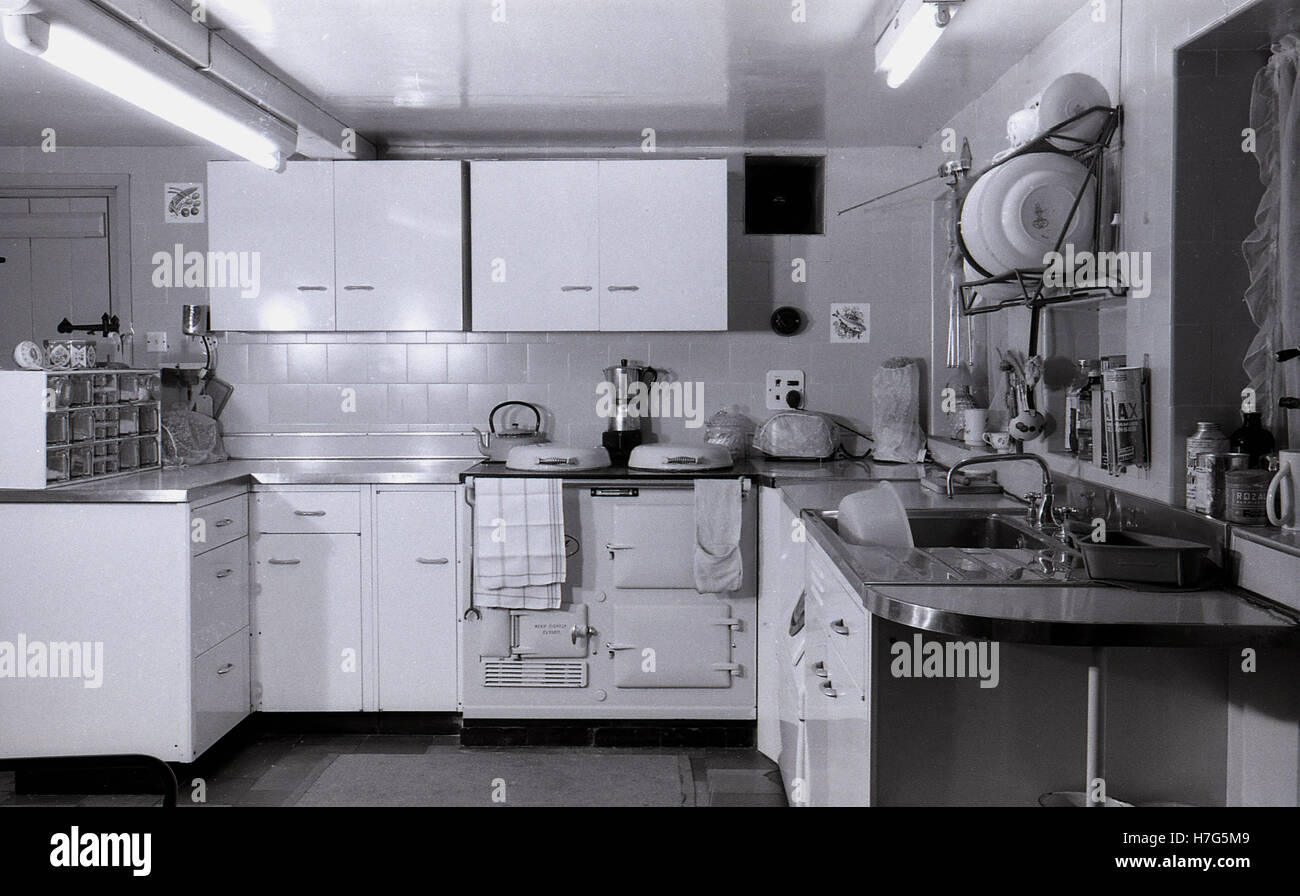 50s Fifties 1950s Kitchen Stockfotos & 50s Fifties 1950s Kitchen ...