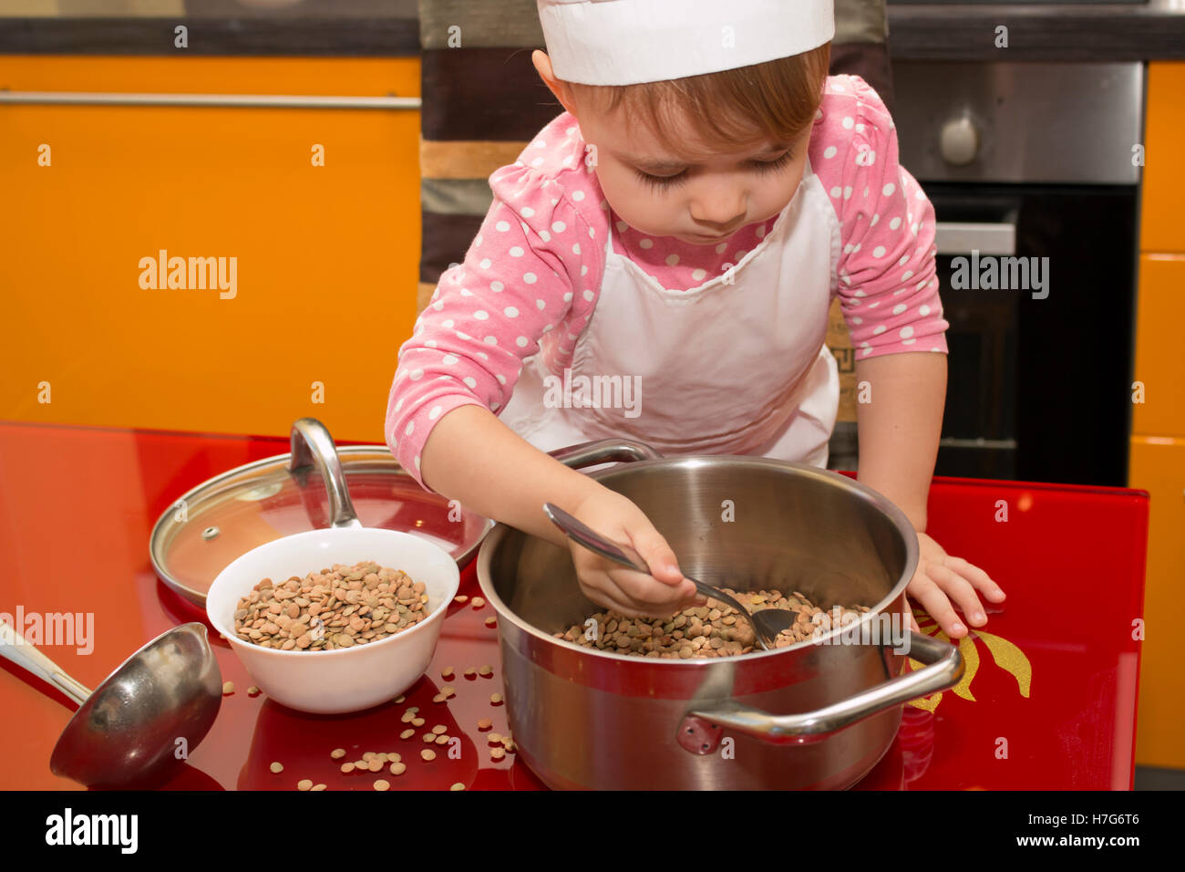 Baby Chef Little Baby In Stockfotos & Baby Chef Little Baby In ...