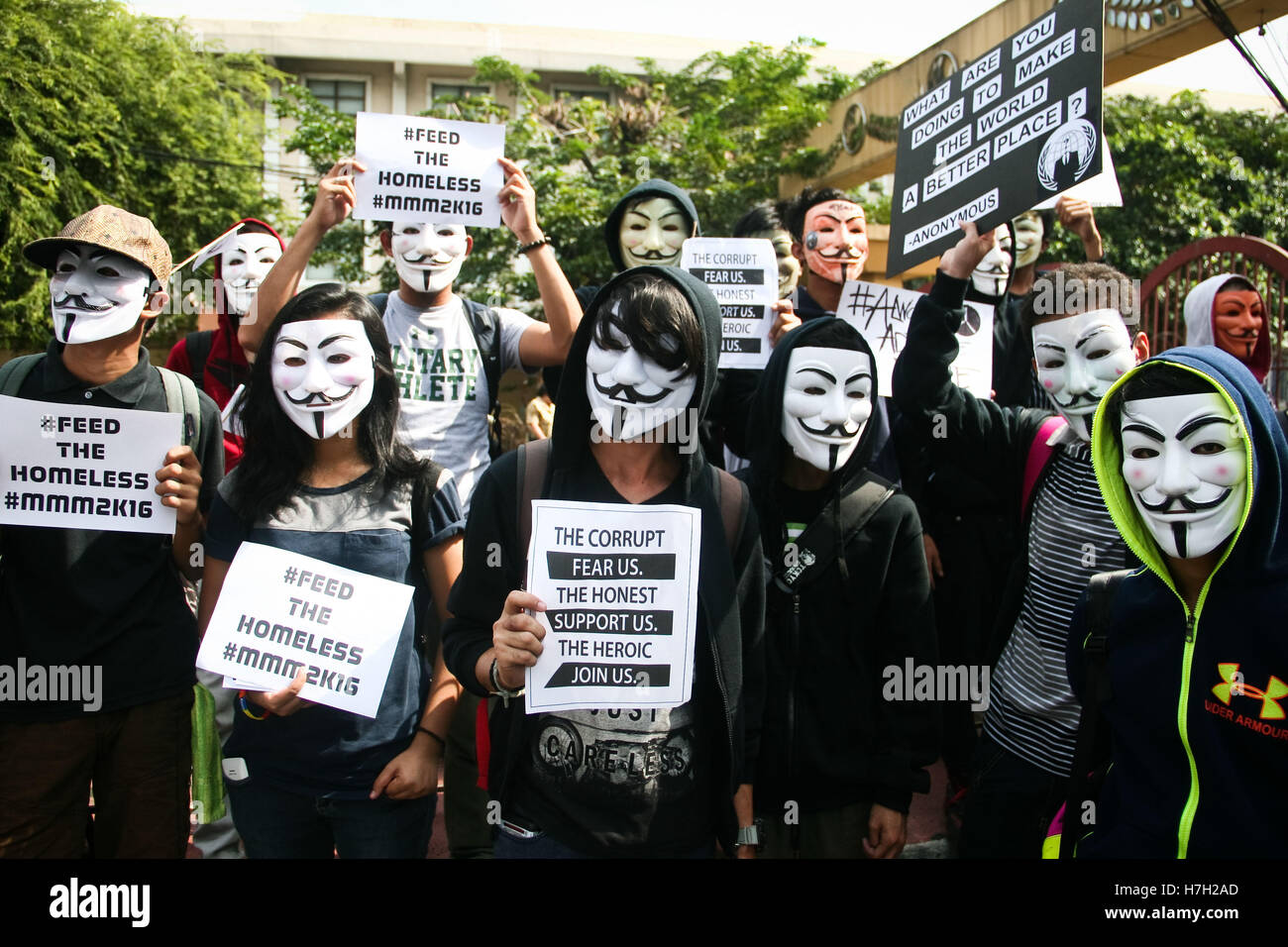 Philippinen. 5. November 2016. Mitglieder des anonymen Philippinen ...