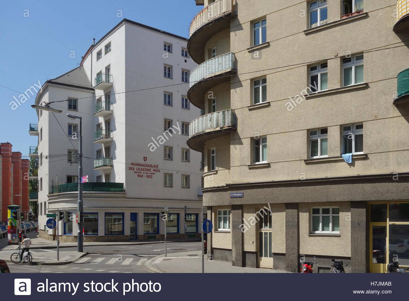 Wien, Mollardgasse, Gemeindebau der 1950er Jahre Stockbild