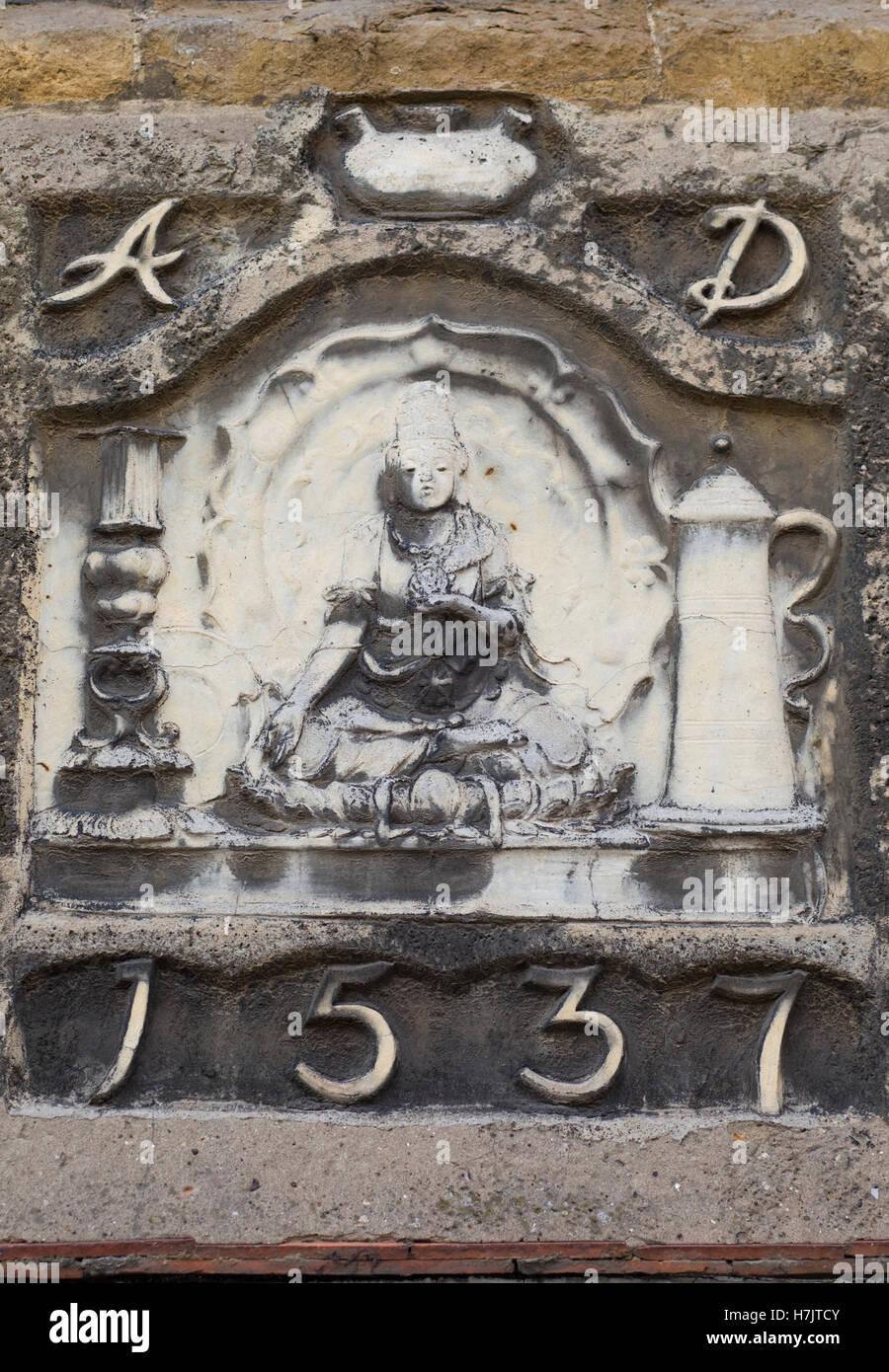 Geschichte der emma aus Stein datiert