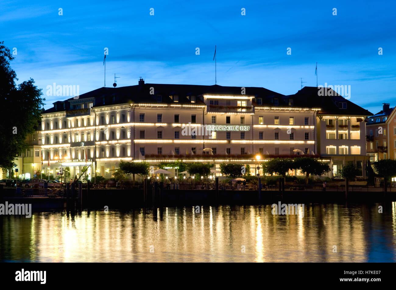 Hotel Bayerischer Hof Bei Nacht Lindau Bodensee Bayern Stockfoto