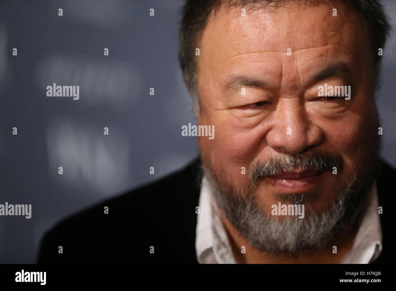 Ai Weiwei bei den 2016 WSJ Magazin Innovator Awards. Er war 2016 für Kunst-Innovator ausgezeichnet. Stockbild