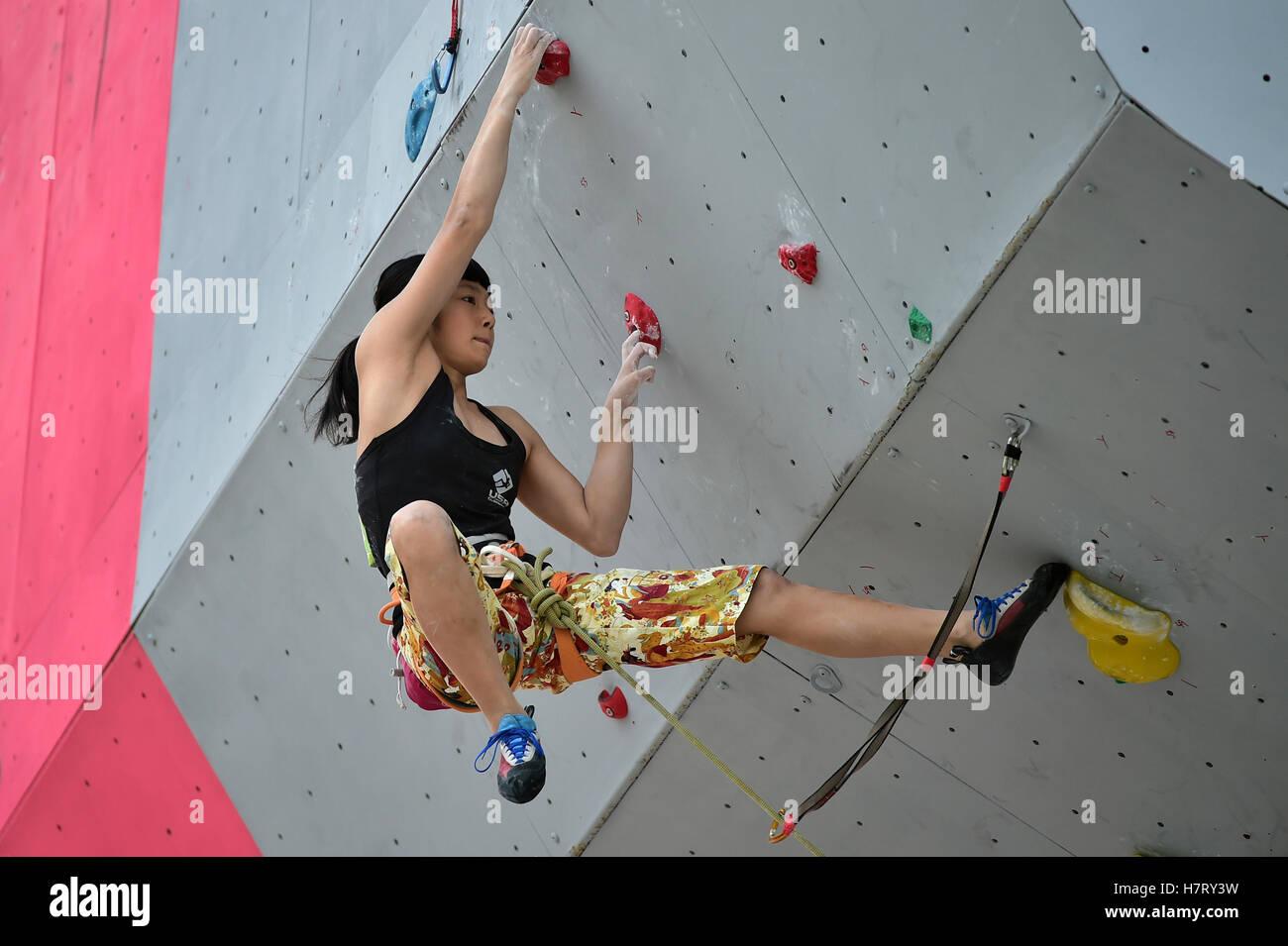 64928d8c8d15cf Ashima Shiraishi der USA konkurriert bei der IFSC Climbing World Jugend  Meisterschaften 2016 in Guangzhou