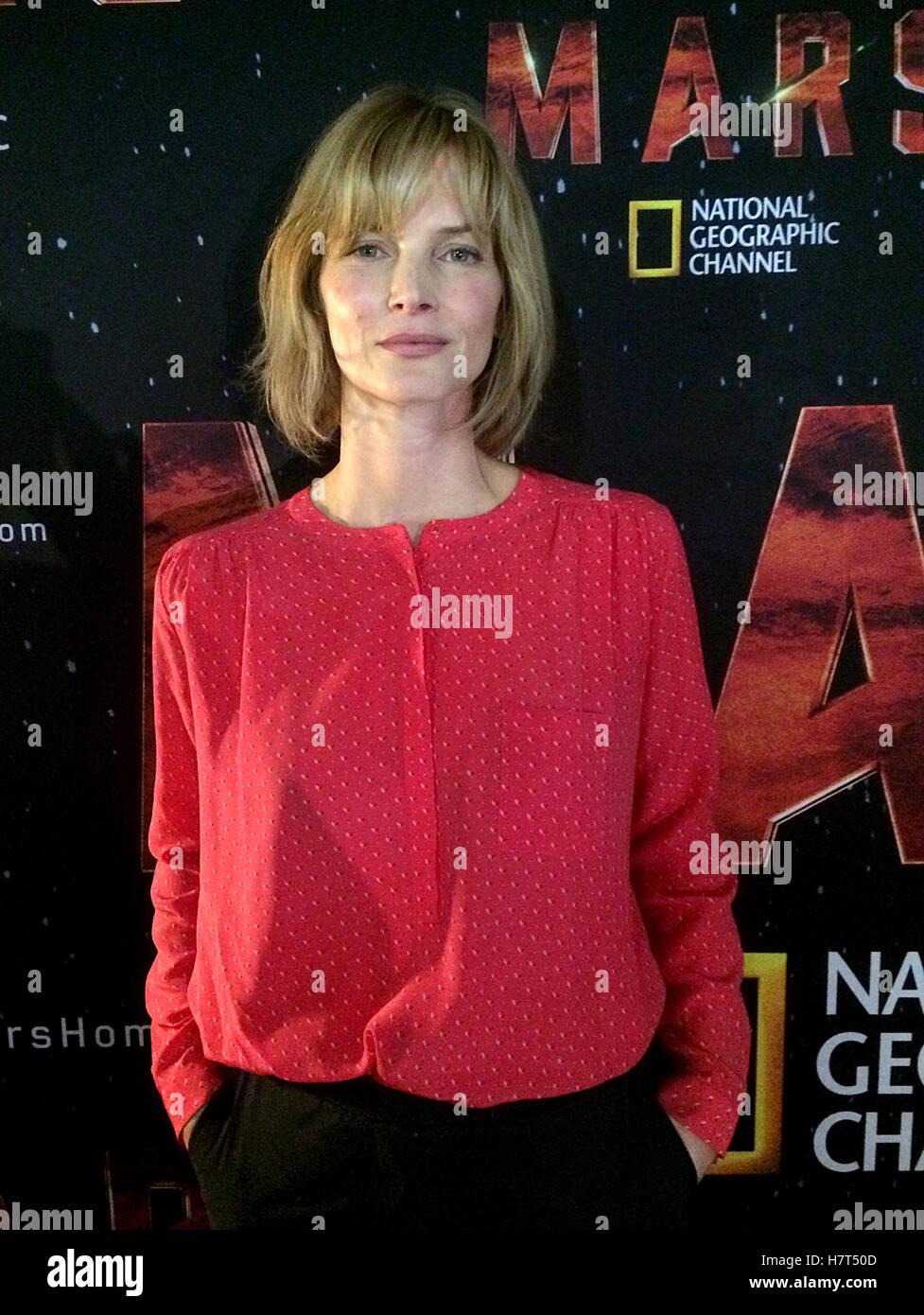 Cosima Shaw  nackt