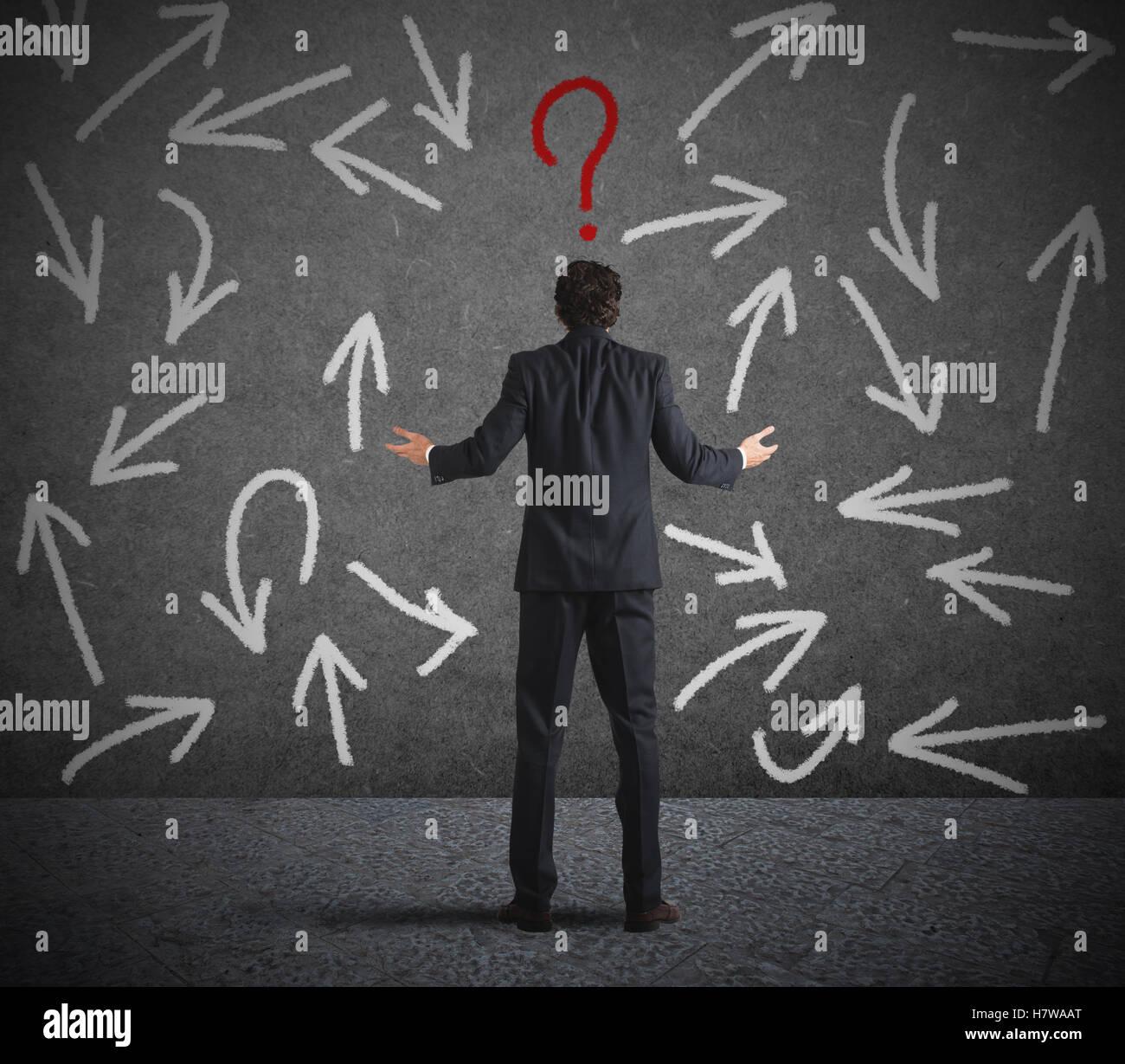 Schwierige Entscheidungen eines Kaufmanns Stockbild