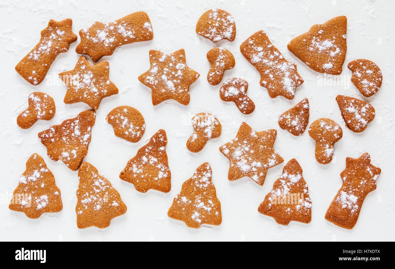 Braune Weihnachtskekse.Schokolade Und Ingwer Braune Weihnachtsplätzchen In Form Von Tanne