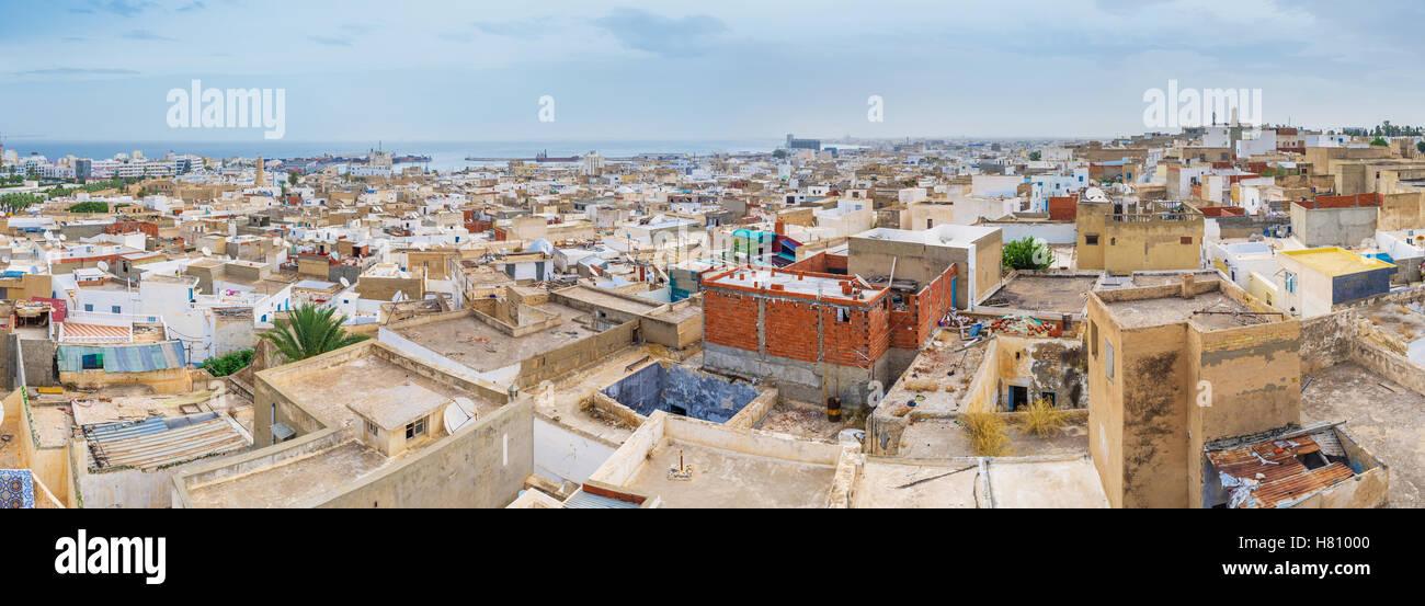 Die Medina von Sousse gehört zu den größten und gut erhaltenen arabischen Städten im Land Stockbild