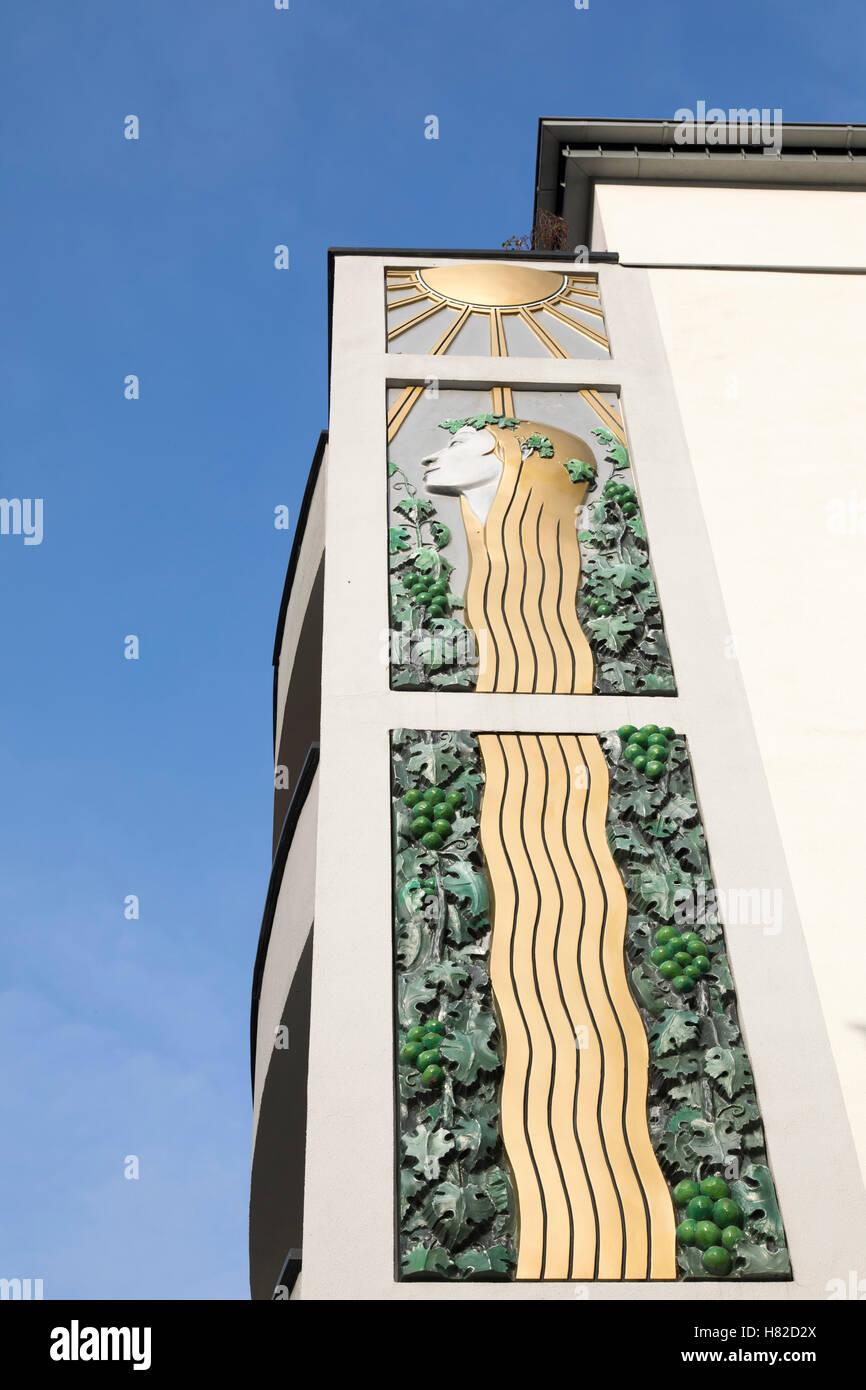 Fassade des Jugendstil Hotel Bellevue, Jugendstil-Architektur in Traben-Trarbach, Mosel-River-Gebiet, Deutschland Stockbild