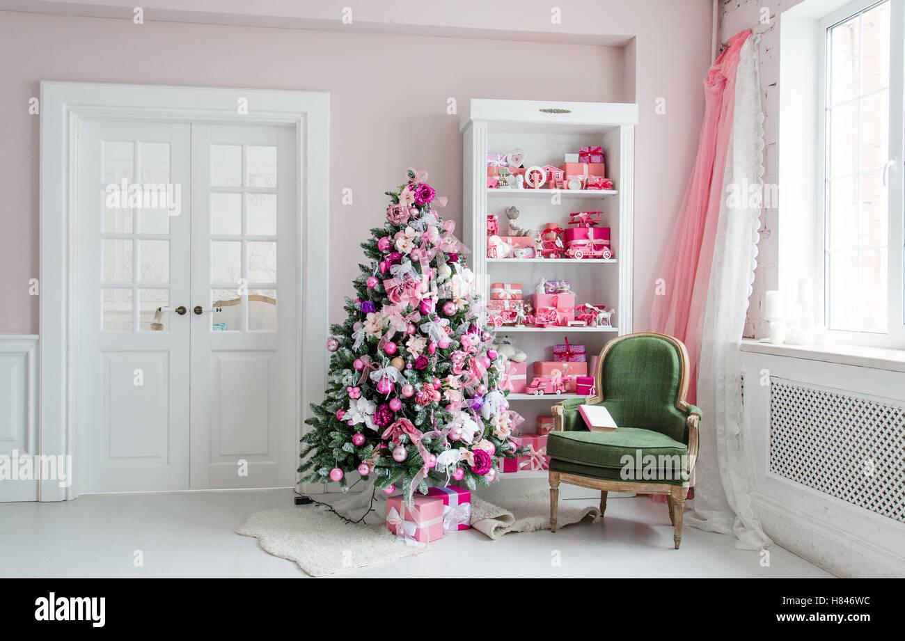 Gift Ribbon Cottage Stockfotos & Gift Ribbon Cottage Bilder - Alamy