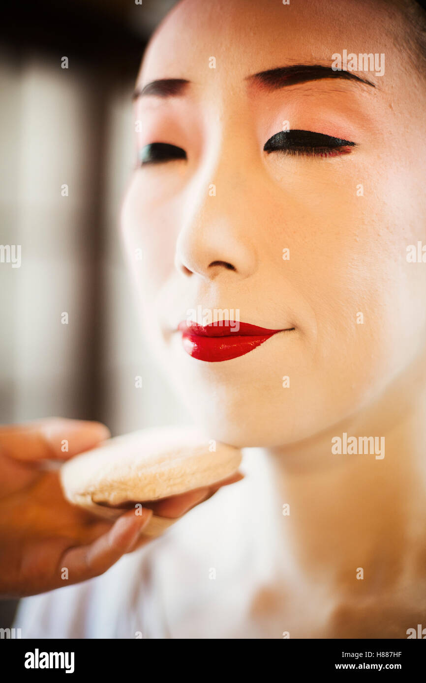 geisha lips stockfotos geisha lips bilder alamy. Black Bedroom Furniture Sets. Home Design Ideas