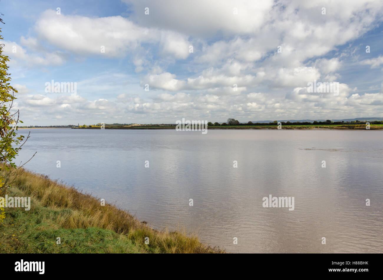 Weite des Flusses Severn am Newnham auf Severn in Gloucestershire Stockfoto