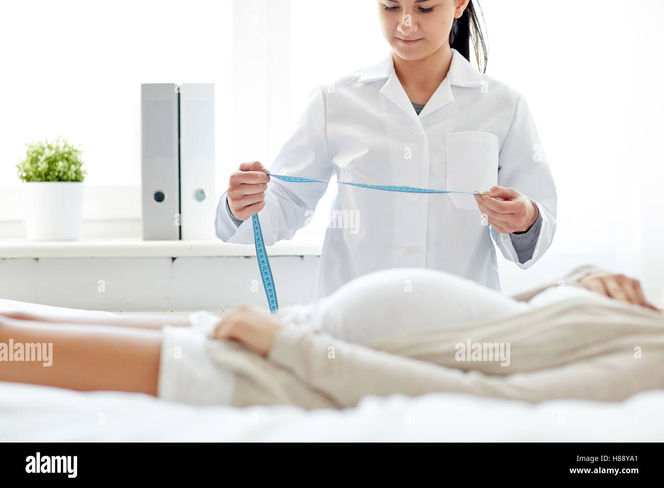 gynecology exam stockfotos gynecology exam bilder. Black Bedroom Furniture Sets. Home Design Ideas