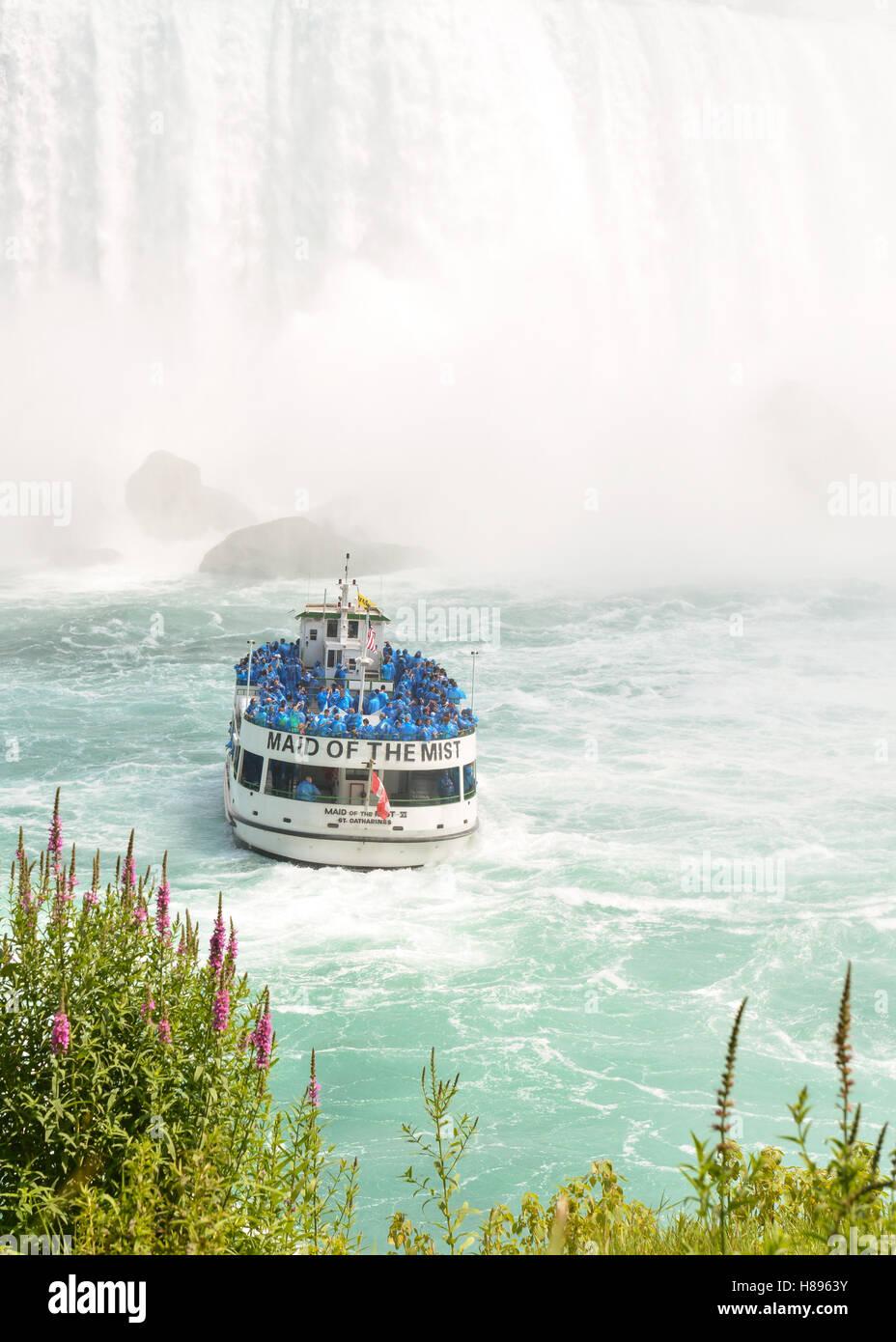 Mädchen des Nebels, Niagarafälle Stockbild