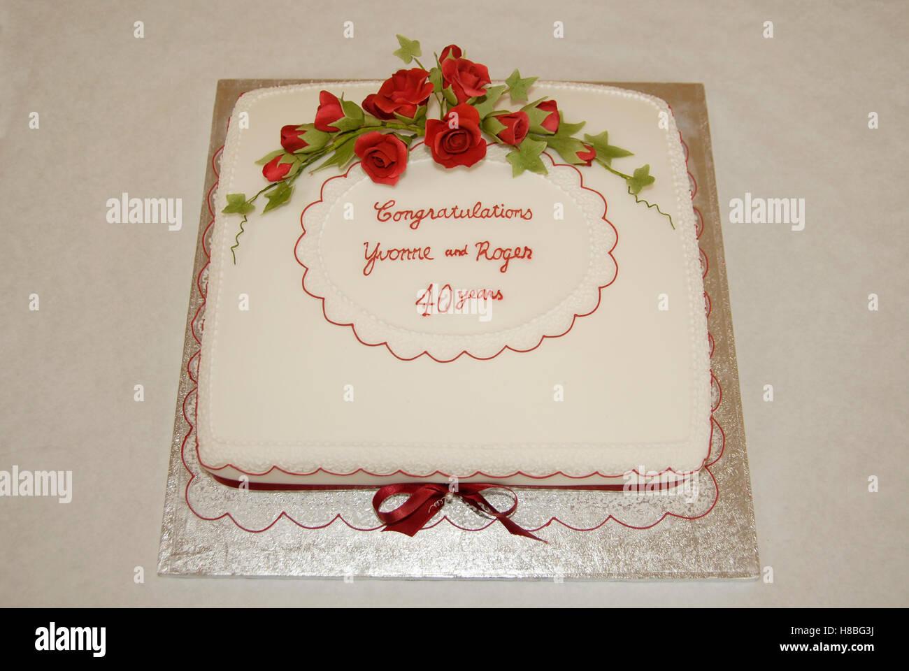 Zucker Pasted Ruby Hochzeitstorte Quadratisch Stockfoto Bild