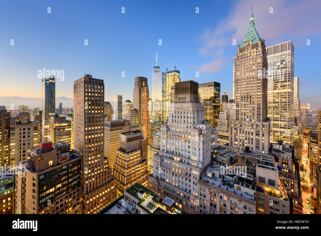 New York City-Financial District Stadtbild in der Abenddämmerung. Stockbild