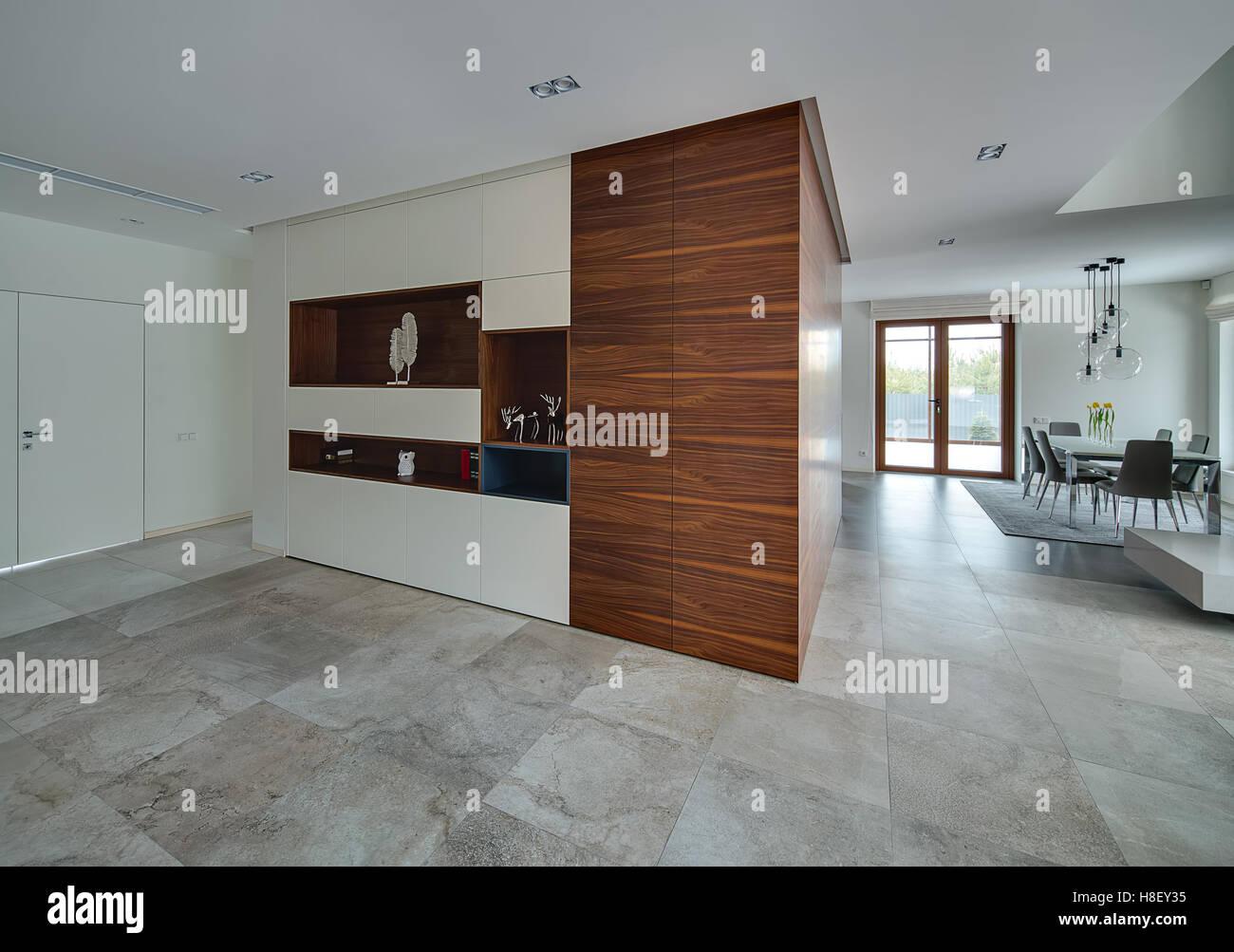 https://c8.alamy.com/compde/h8ey35/interieur-im-modernen-stil-h8ey35.jpg