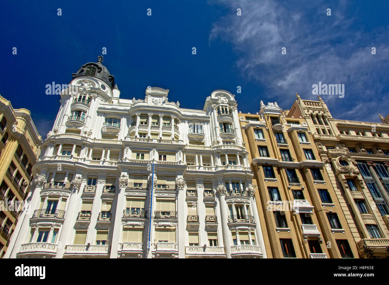 Fassade des berühmten Hotel im neoklassizistischen Stil an der Gran Via in Madrid, Spanien Stockbild